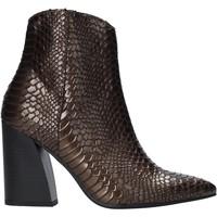 Boty Ženy Polokozačky Grace Shoes 724K004 Hnědý