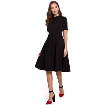 Textil Ženy Krátké šaty Makover K028 Šaty s ohrnutým výstřihem - černé