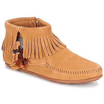 Boty Ženy Kotníkové boty Minnetonka CONCHO FEATHER SIDE ZIP BOOT Velbloudí hnědá