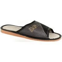 Boty Muži Papuče John-C Pánske sivo-čierne papuče VIPMEN čierna