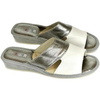 Boty Ženy Papuče John-C Dámske strieborno-biele papuče RITA strieborná
