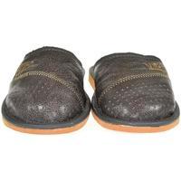 Boty Muži Papuče John-C Pánske sivé papuče VIPMEN sivá