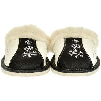 Boty Ženy Papuče John-C Dámske čierne kožené papuče NADEŽDA čierna