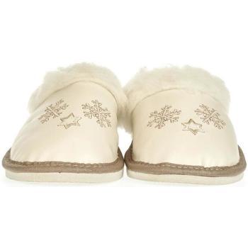 Boty Ženy Papuče John-C Dámske biele papuče SNEŽIENKY biela
