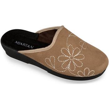 Boty Ženy Papuče Mjartan Dámske papuče  CAMILIA ťavia