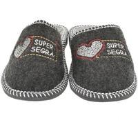 Boty Ženy Papuče Bins Dámske sivé papuče SEGRA tmavosivá