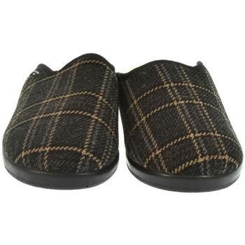 Boty Muži Papuče Mjartan Pánske papuče  MIKI hnedá