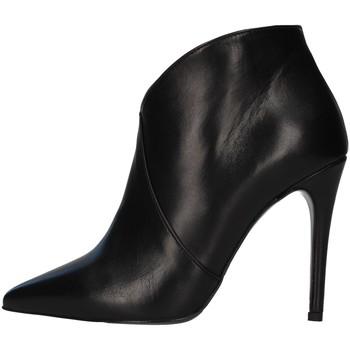 Boty Ženy Nízké kozačky Paolo Mattei 14010 Černá