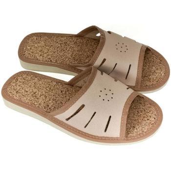 Boty Ženy Papuče John-C Dámske kožené svetlo-hnedé papuče IWA ťavia