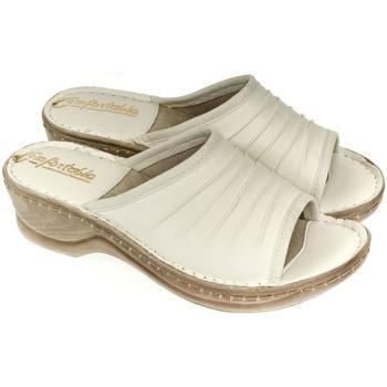 Boty Ženy Dřeváky John-C Dámske kožené béžové šľapky MONTY béžová