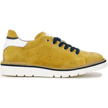 Boty Muži Módní tenisky Café Noir TS6010 Žlutá