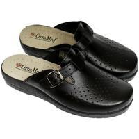 Boty Muži Pantofle Mjartan Pánske kožené čierne papuče  DEREK čierna