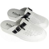 Boty Muži Pantofle Mjartan Pánske kožené biele papuče  DEREK biela