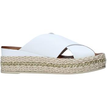 Boty Ženy Dřeváky Bueno Shoes 21WQ5907 Bílý