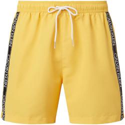 Textil Muži Kraťasy / Bermudy Calvin Klein Jeans KM0KM00558 Žlutá
