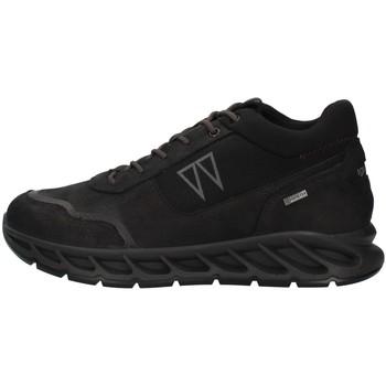 Boty Muži Nízké tenisky IgI&CO 8138400 Černá