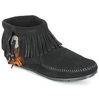 Boty Ženy Kotníkové boty Minnetonka CONCHO FEATHER SIDE ZIP BOOT Černá