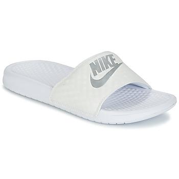 Boty Ženy pantofle Nike BENASSI JUST DO IT W Bílá / Stříbrná