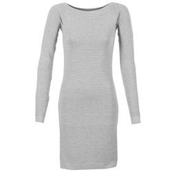 Textil Ženy Krátké šaty Betty London FRIBELLE Šedá