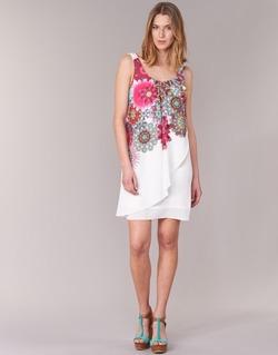 Textil Ženy Krátké šaty Desigual LIORASA Bílá / Červená / Růžová