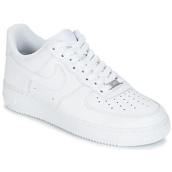 Boty Muži Nízké tenisky Nike AIR FORCE 1 07 Bílá