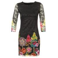Textil Ženy Krátké šaty Desigual GRAFI Černá