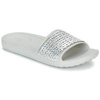 Boty Ženy pantofle Crocs SLOANE GRAPHIC ETCHED SLIDE W Bílá / Stříbřitá