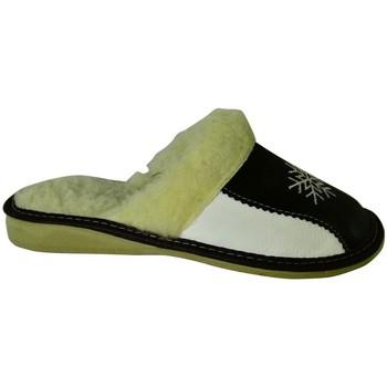 Boty Ženy Papuče John-C Dámske bielo-čierne papuče ANTONIA čierna