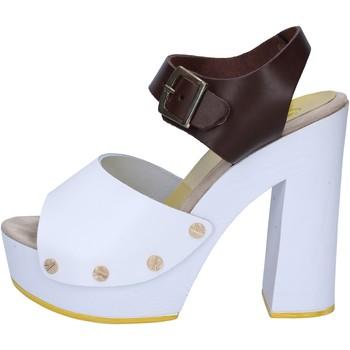 Boty Ženy Sandály Suky Brand sandali marrone pelle bianco AC486 Marrone