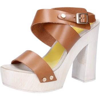 Boty Ženy Sandály Suky Brand sandali marrone pelle AC816 Marrone