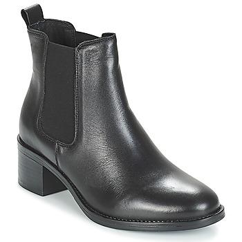 Boty Ženy Kotníkové boty André CRUMBLE Černá