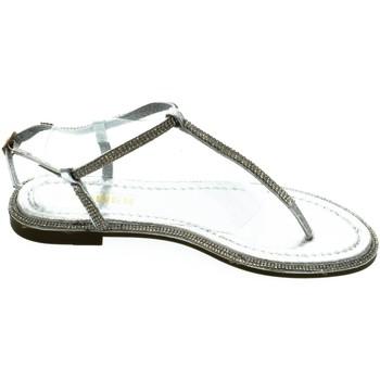 Boty Ženy Sandály Comer Dámske strieborné sandále OLANI strieborná