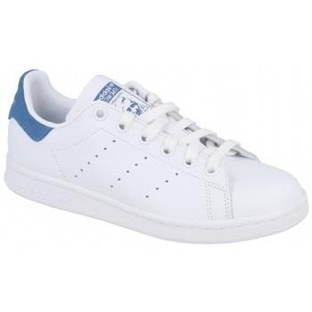 Boty Ženy Multifunkční sportovní obuv adidas Originals STAN SMITH FTWR   TRACE ROYAL S18 bílá